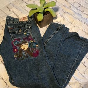Boho True Religion embroidered jeans. Size 29